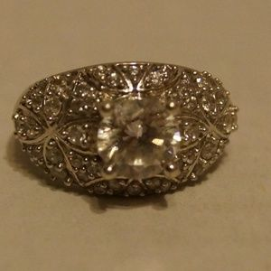 925 Sterling Silver Ring Size 9 Clear Faceted